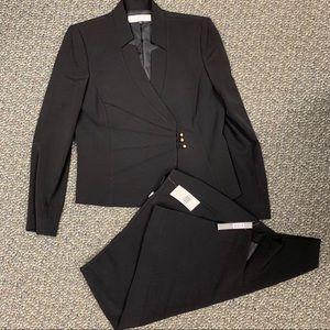 Tahari skirt suit size 10